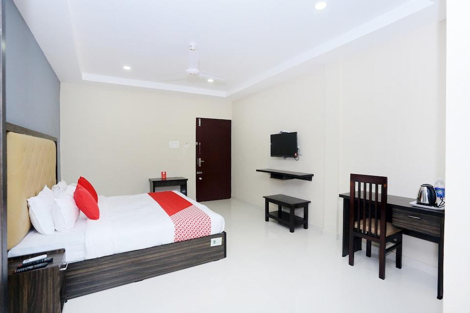 Capital O 45815 Central Inn, Vytilla Kochi-II, Kochi