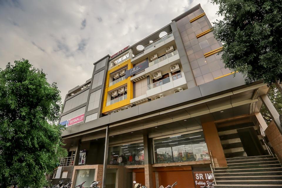 Collection O 45853 SR Inn Awas Vikas