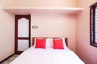 OYO 45862 Sundaravalli Garden Service Apartments