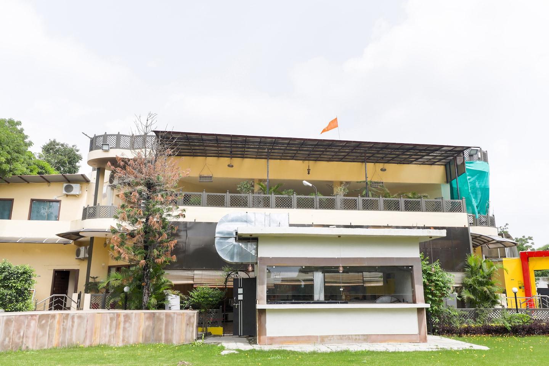 OYO 45870 Hotel Sagar Saroj Spa & Resort -1