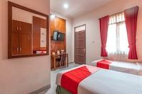 OYO 1211 Graha Technopark Hotel