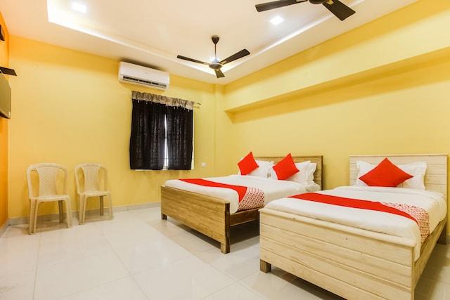 OYO 46003 Sri Maruti Pilgrims House Deluxe