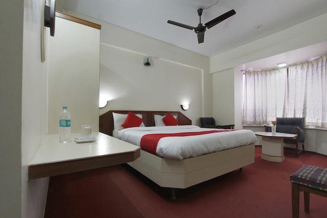 OYO 46044 Mesabel Hotel