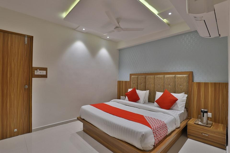 OYO 46052 Hotel Pacific Villa