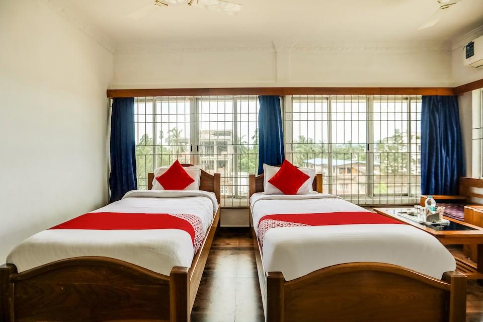 OYO 46053 Hotel Nakshatra