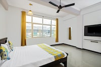 OYO 46058 Pleasant Stay Near Moosapet Metro Station