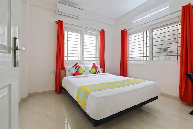 OYO Home 46060 Elegant Stay Mantri Square Mall