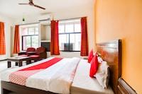 OYO 46084 Hotel Manorath Deluxe