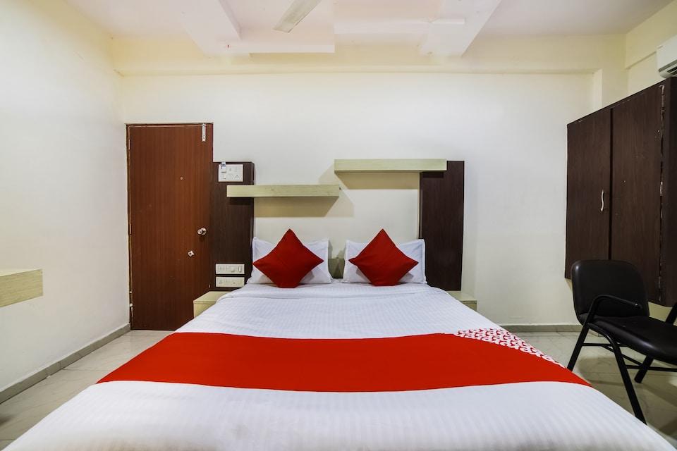 OYO 46123 Seven Days Hotel And Restaurants, Mundra, Mundra