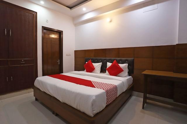 OYO 46160 Gs Residency