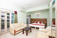 OYO 4617 Lotels Serviced Apartment Suite