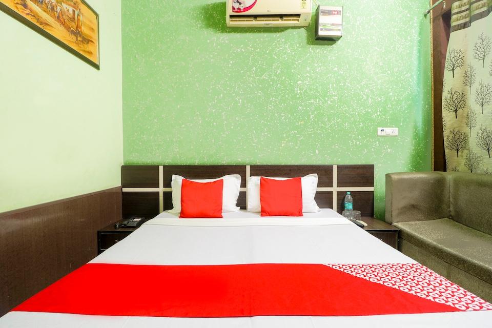 OYO 46196 Hotel Shubham