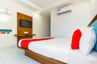 OYO 46208 Hotel Park Land Deluxe