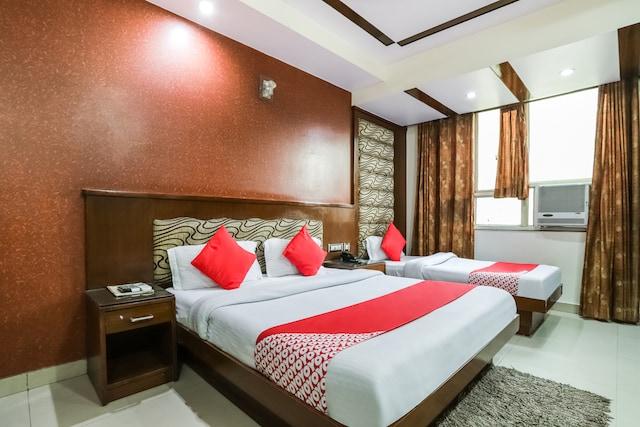 OYO 46221 Hotel Shiv Dev International Deluxe