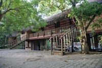 Capital O 284 Jungle Village By Thawthisa