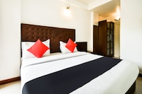 Capital O 46251 Hotel Shikha Suite