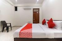 OYO 46253 A R Hotel Suite