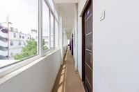 OYO 46281 Sai Varalaxmi Ac Deluxe Lodge