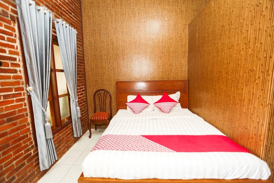 OYO 1230 Kampoeng Osing Syariah Guesthouse