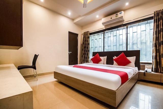 OYO 46287 Hotel Shri Maharaj Executive
