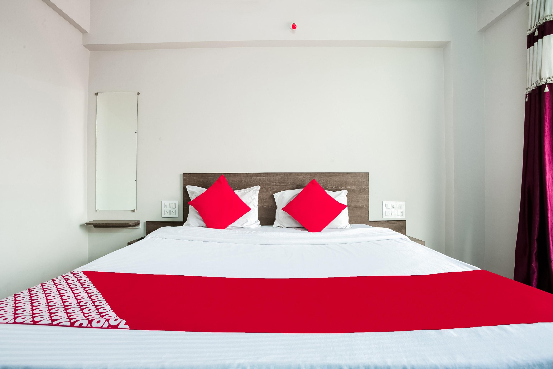 OYO 46305 Hotel Pinnk Lake Resort