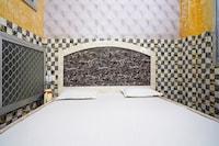 SPOT ON 46332 R K Guesthouse & Restaurant  SPOT