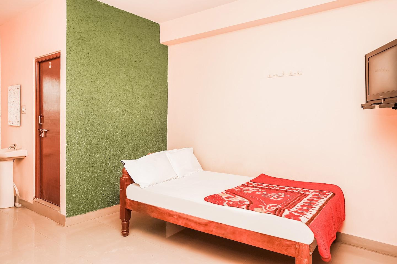 SPOT ON 46404 Yashaswini Residency -1