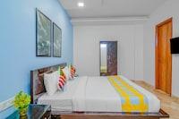 OYO 46461 Comfort Stay BLK Hospital