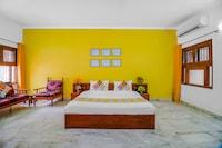 OYO 46487 Elegant Rooms Paschim Vihar
