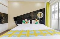 OYO Home 46496 Exotic Stay Silk Board