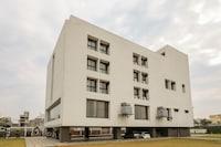 OYO 46520 Daga Palace