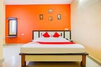 OYO 46557 Hotel Dolphin