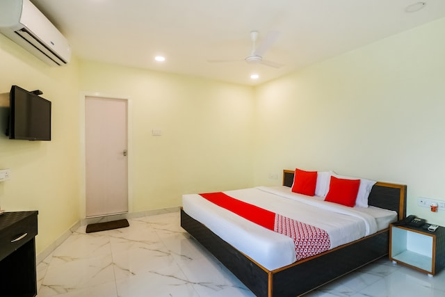 OYO 46562 Amaran Hotels By Sl Hotels Deluxe