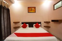 OYO 46606 Hotel Royal Chandela