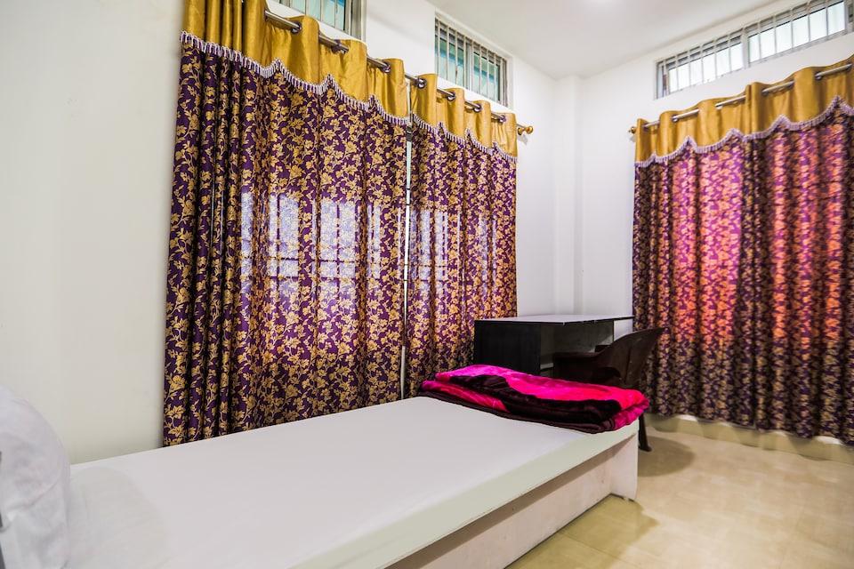 SPOT ON 46614 Pankaj Goswami Guest House