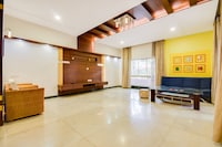 OYO Home 46641 Exotic Stay Near Cubbon Park