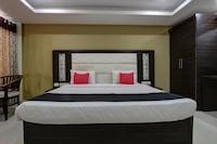 Capital O 46699 Hotel Insta Deluxe