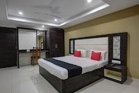 Capital O 46699 Hotel Insta