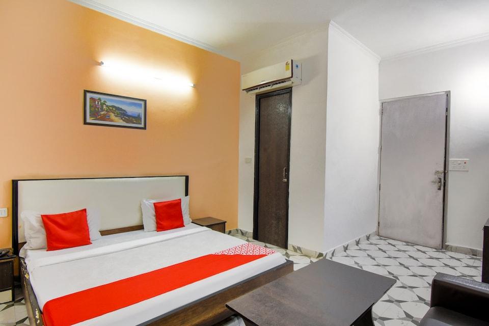 OYO 46735 Hotel Royal Dreams