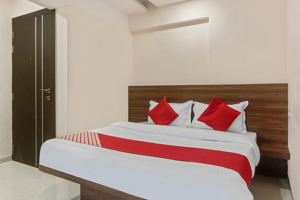 OYO 46740 Paradise Inn