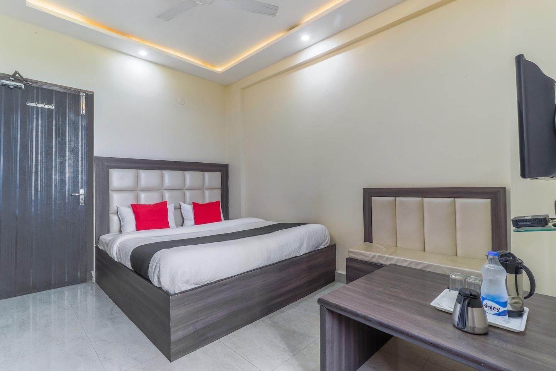 Capital O 46772 Hotel Mahadeva Regency -1