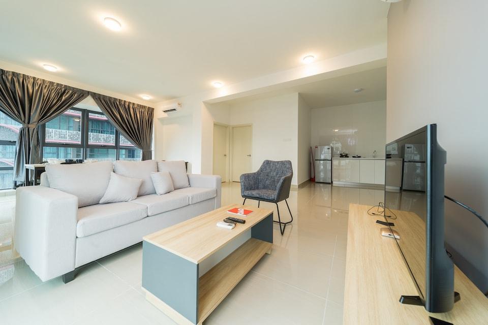 OYO Home 44045 Splendid 2br Arte Plus