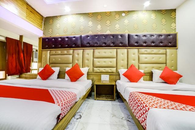 OYO 46796 Shanti Palace