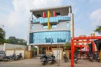Capital O 46802 Hotel Raj Palace