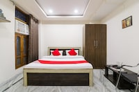 OYO 46824 Kashi Hotel Stay Deluxe