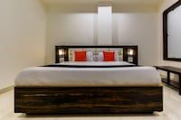 Capital O 46958 Hotel Bimla's Deluxe