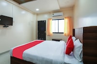 OYO 46968 Mahakal Inn