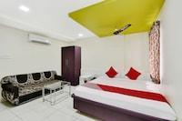 OYO 46973 Vasudev Chat Bhandar Rooms & Reatorent