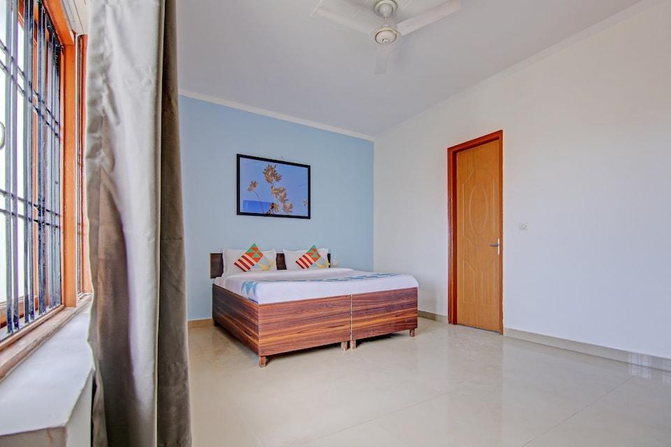 OYO Home 46974 Comfortable & Luxury