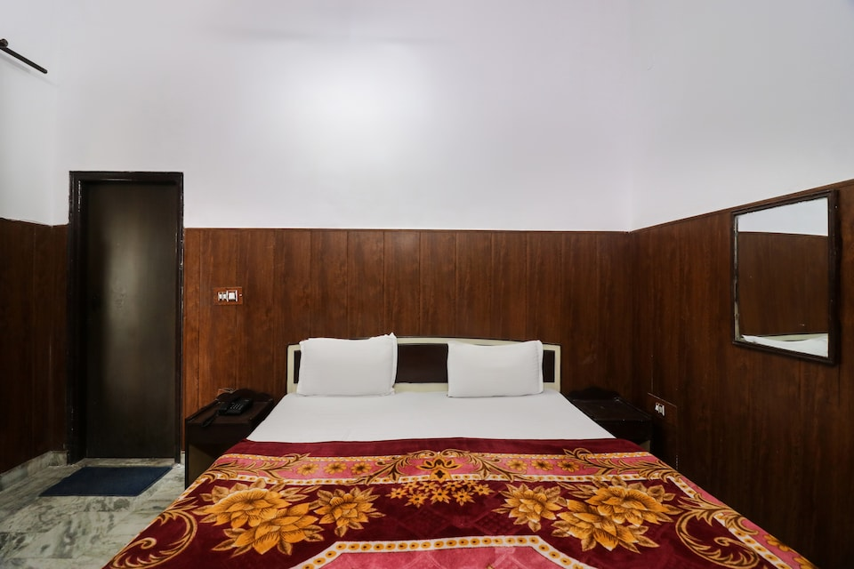 SPOT ON 46985 Hotel Shivam Residency
